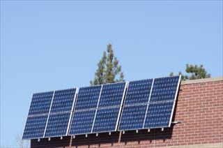太陽光発電が設置された住宅